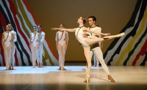 Siebte Sinfonie Chor.: Uwe Scholz Tänzer/dancers: Alicia Amatriain, Jason Reilly, Ensemble c. Stuttgarter Ballett