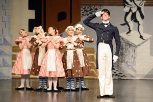 Pineapple Poll Chr: John Cranko Tänzer/dancers: Robert Robinson (Captain Belaye) mit Schülerinnen der John Cranko Schule